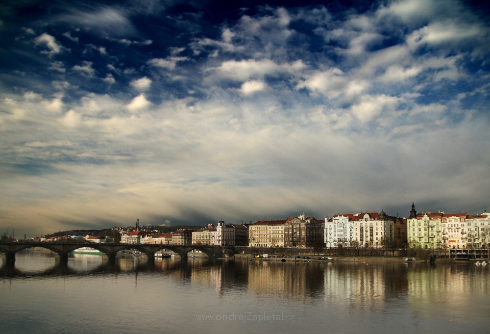 Fotografie Freezing Storm over the Horizon, na fotce: clouds, winter, prague, river, bridge, autor: Ondřej Zapletal