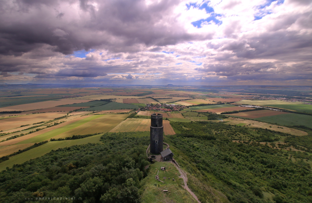Fotografie From the Taller Tower, na fotce: castle, tower, clouds, summer, autor: Ondřej Zapletal