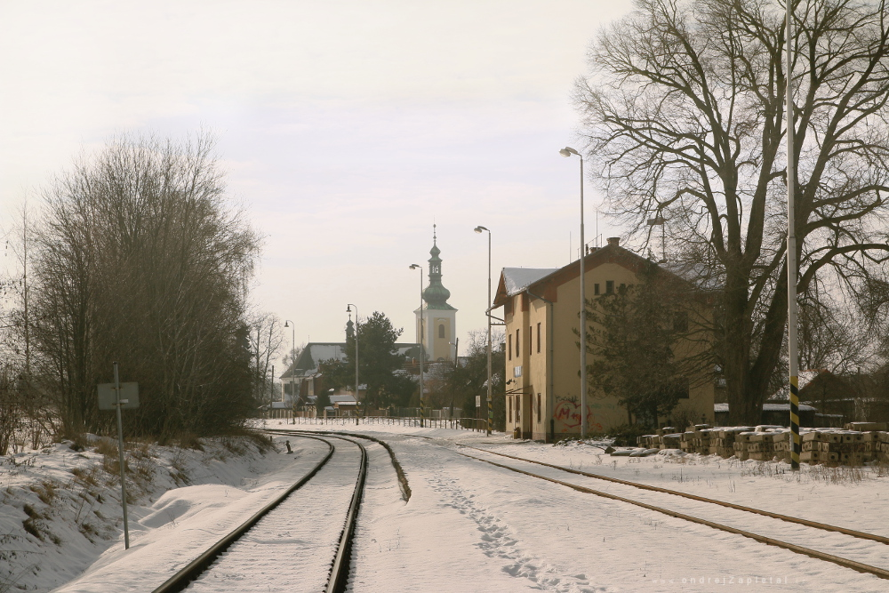 Fotografie From Railstation to Church, na fotce: train, winter, church, snow, trees, autor: Ondřej Zapletal