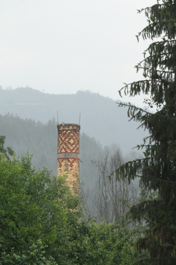 Fotografie Chimney in Rain, na fotce: tower, trees, summer, rural, autor: Ondřej Zapletal